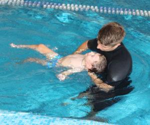 Завершен курс аквареабилитации для российских детей