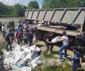 Волонтеры вывезли 10 тонн мусора