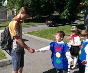 Детсадовцы напомнили взрослым о необходимости соблюдать правила дорожного движения
