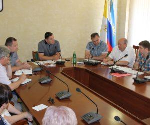 Александр Курбатов провел совещание с председателями ТОСов и руководством коммунального сектора