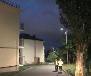Дворовое освещение появилось в новом микрорайоне на Катыхина