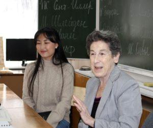 Профессор из Кембриджа познакомилась с кисловодскими школьниками