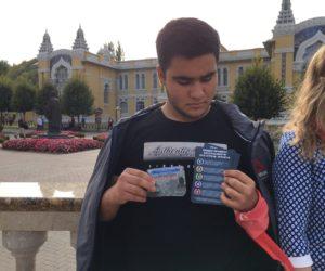 Молодежные активисты провели акцию «Мы за МИР!»