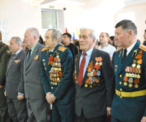 Ветеранов войны и боевых действий поздравили с Днем защитника отечества