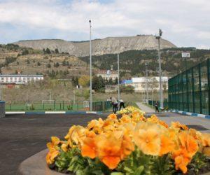 Александр Курбатов осмотрел отделочные работы в новом физкультурно-оздоровительном комплексе