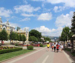 В 40 санаториях Кисловодска отдыхает почти 5 тысяч человек