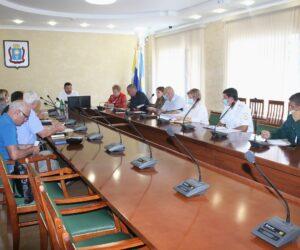 Александр Курбатов встретился со строителями горбольницы