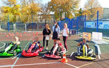Команда 8-й школы победили в городском конкурсе «Безопасность на дороге с детства»