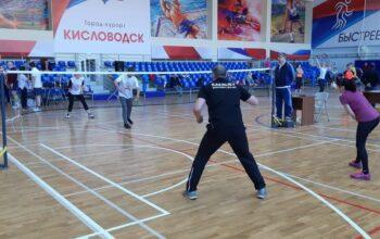 Бадминтонисты в честь Дня защитника Отечества разыгрывают Кубок