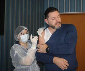 Александр Курбатов сделал прививку от ковида