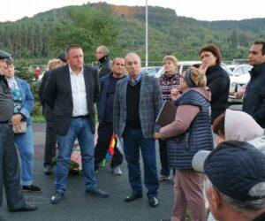 В новом микрорайоне Катыхина, и. о. главы города Вячеслав Сергиенко встретился с жителями